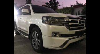 2018 Toyota Land Cruiser V8