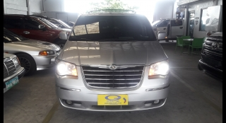 2011 Chrysler Town & Country 2.7L AT Diesel