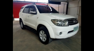 2011 Toyota Fortuner 2.5L AT Diesel