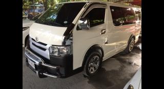 2015 Toyota Hiace Commuter MT