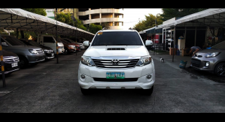 2014 Toyota Fortuner 2.5 V Dsl 4x2 AT White Pearl
