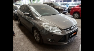 2013 Ford Focus Sedan 2.0 Titanium AT