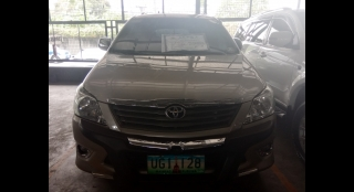 2012 Toyota Innova E Gas AT