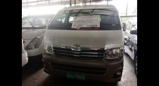 2013 Toyota Hiace Super Grandia AT Diesel