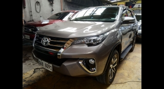 2017 Toyota Fortuner V (4X2) AT Diesel