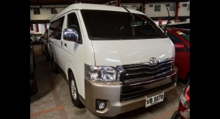 2016 Toyota Hiace Super Grandia 3.0L AT Diesel