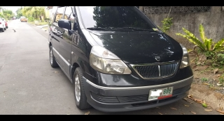 2002 Nissan Serena Q-RV R AT