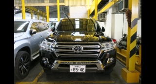 2017 Toyota Land Cruiser 200 4.5L AT Gasoline