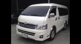 2011 Toyota Hiace Super Grandia AT
