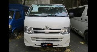2013 Toyota Hiace Commuter MT