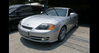 2004 Hyundai Coupe 2.7 L AT