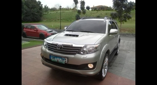 2013 Toyota Fortuner V (4X2) AT Diesel