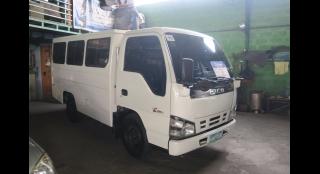 2009 Isuzu NHR PV 2.8L MT Diesel