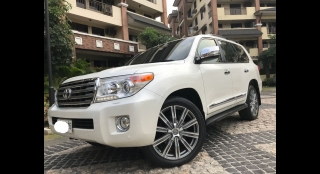 2014 Toyota Land Cruiser 200 4.5 DSL AT