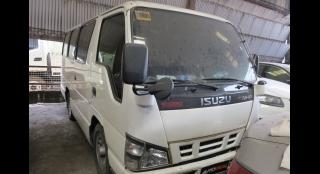 2014 Isuzu i-Van 2.8L AT Diesel