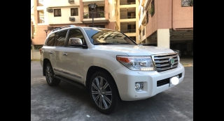 2014 Toyota Land Cruiser 200 4.5 DSL AT White Pearl