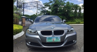 2010 BMW 3-Series Sedan 318i w/ iDrive